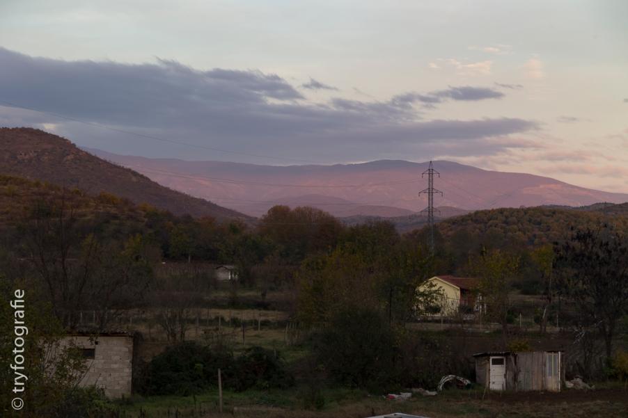 Sonnenaufgang in den mazedonischen Bergen