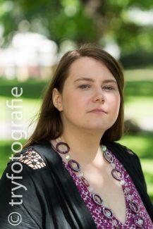 Portrait Serie Kampusch im Burggarten Wien