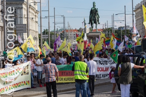 Curdic demonstration in Vienna against politic in Turkey