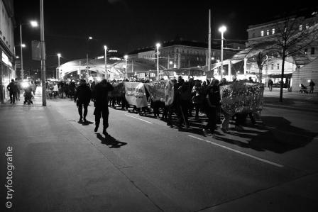1.200 Frauen demonstrieren für Frauenrechte und gegen Diskriminierung in WIen
