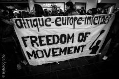 Demonstration am Flughafen gegen Abschiebungen