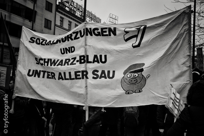 Demontration gegen eine große Anzahl an Regierungsvorhaben